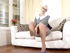 evey krystal - book worm with a nylon kink!