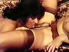 lesbo peepshow loops 413 94s and 25s - scene 11