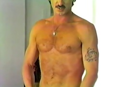 hawt unshaved hunk in a vintage solo 68